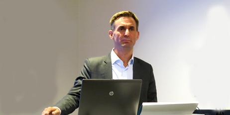 Thomas Weihe, leder i NOK, åpnet seminaret på Fornebu der årets NOK-rapport ble presentert.